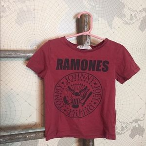 Ramones H&M tee 2-4 GUC